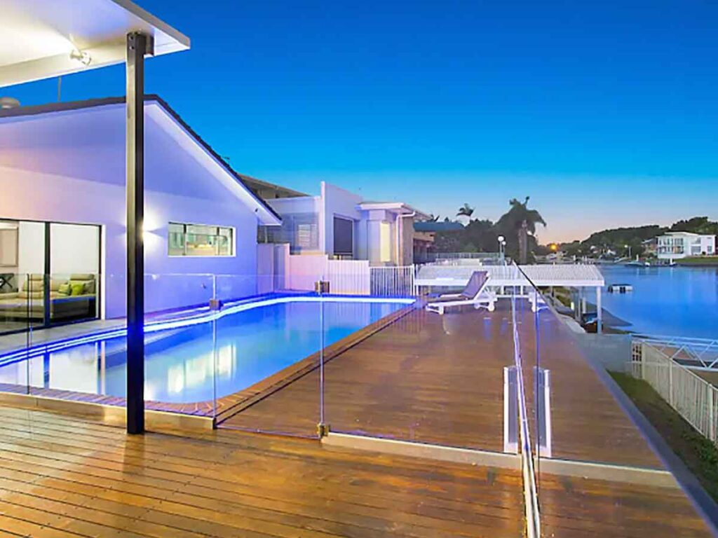 pool and outdoor area at sunset of Broadbeach waters gold coast airbnb