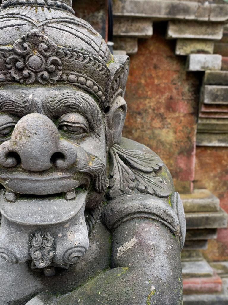 Bedogol statue Bali